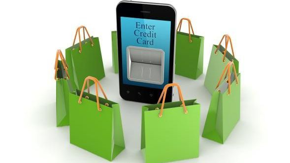 Auch wenn die Einkaufstüten scheinbar nur darauf warten, gefüllt zu werden: Mobile Payment kommt nur langsam in die Gänge.