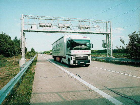 Eine Mautbrücke von Toll Collect