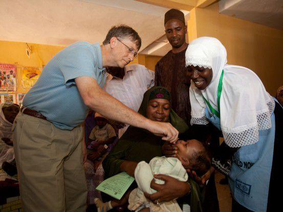 Dafür kennt man Bill Gates, den Gründer von Microsoft, mittlerweile: Die Bill and Melinda Gates Foundation spendet Milliarden von Dollar für die Entwicklung von Impfstoffen unter anderem, um Krankheiten wie Malaria zu bekämpfen. Jetzt richtet sich Gates' Augenmerk auch auf eine Gefahr, die die gesamte Welt betrifft: die Umweltzerstörung.