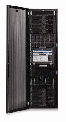 Während die ersten NonStop-Server noch einen ganzen Raum benötigten, brauchen die HP NonStop Blade Systeme heute in etwa den Platz einiger Schließfächer - mit Funktionalitäten, die bei den ersten Rechnern noch undenkbar waren.