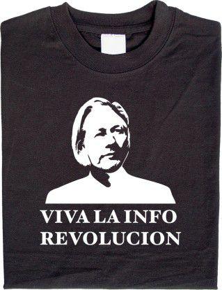"""""""Viva La Info Revolucion"""": Das Julian-Assange-Shirt ist der neue Verkaufsschlager."""