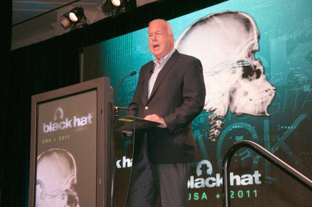 Cofer Black, Anti-Terror-Spezialist und ehemals hochrangiges Mitglied der CIA, hielt die Keynote der Blackhat 2011.