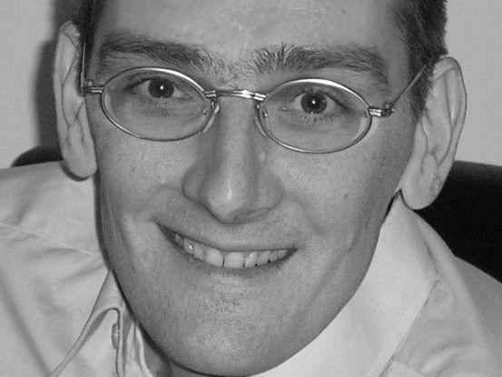 Security-Spezialist Hartmut Goebel kritisiert, dass in großen Firmen nur der Einkauf und nicht die IT-Fachabteilung IT-Freiberufler auswählt.