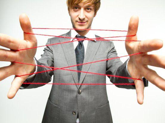 Beziehungen zu Kunden pflegen und neue Kontakte knüpfen, das versprechen sich viele Unternehmen von Social Media.