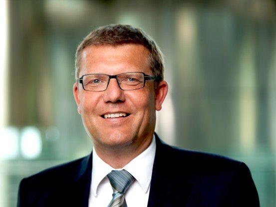 """Harald Sulovsky, CBS Corporate Business Solutions: """"Weil SAP-Berater Mangelware sind, bilden wir unseren Nachwuchs selbst aus und übernehmen alle Trainees nach Beendigung des Programms."""""""