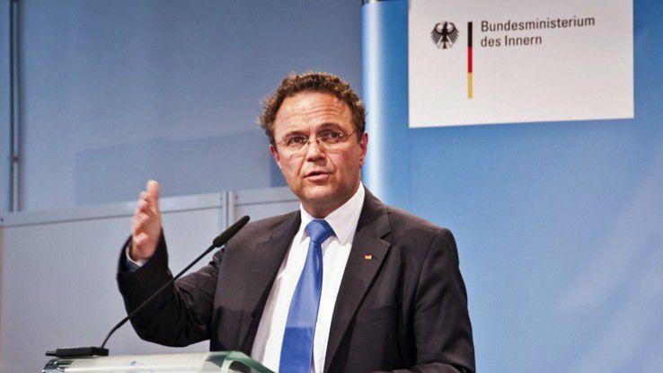 """Bundesinnenminister Hans-Peter Friedrich: """"IT-Ausfälle stellen eine reale Gefahr dar."""""""