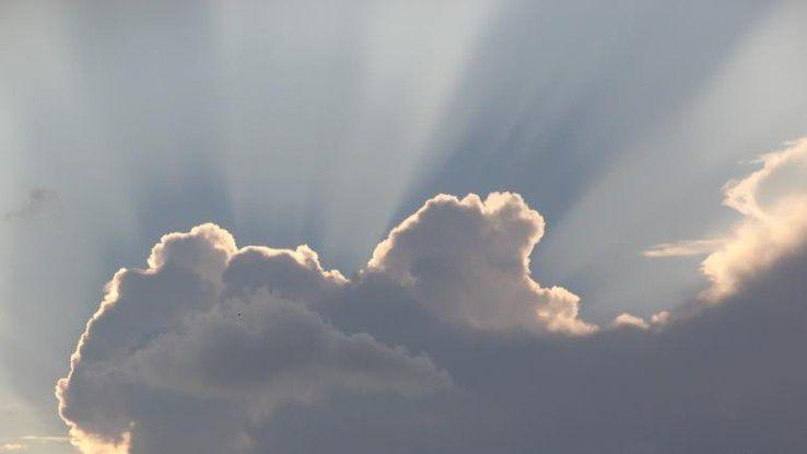 Auch wenn erste Wolken aufgezogen sind, haben IT-Freiberufler immer noch ziemlich gute Karten.