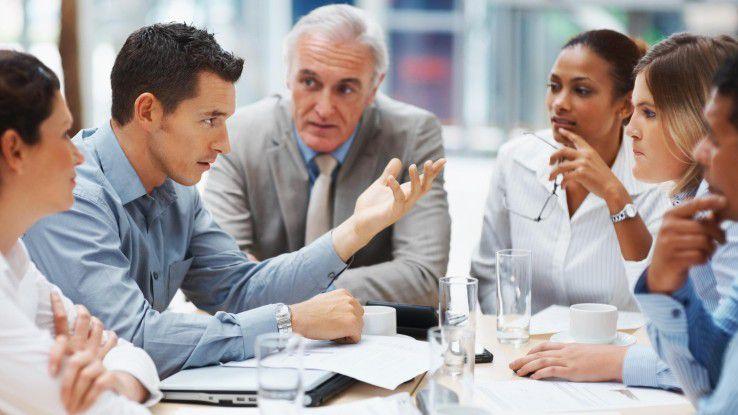 In Meetings sollten Laptops weggepackt sein und zugehört werden.