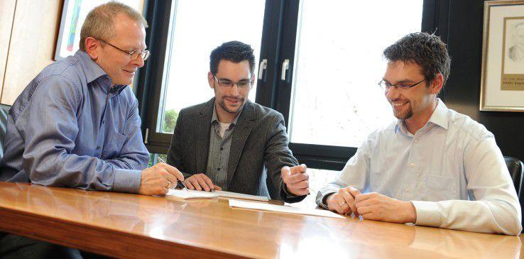 Aufgeschlossen und kommunikativ sollen Praktikanten sein, so Martin Dotterweich, Entwicklungsleiter von Profi Engineering Systems (links).