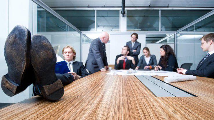 Zahlreiche Mitarbeiter finden Meetings einfach nur langeweilig und haben sich mindestens mental daraus verabschiedet.