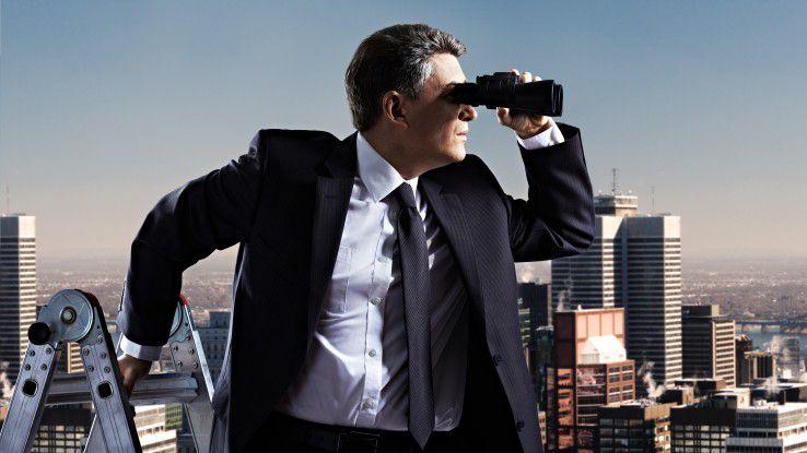 Unternehmen müssen immer intensiver nach passenden Fachkräften suchen.