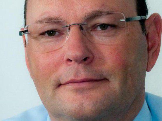 Roland Vorberg hat vor fast 30 Jahren bei der R+V-Versicherung als Programmierer angefangen, nachdem er sein Maschinenbaustudium abgebrochen hatte. Heute leitet er das IT-Projektmanagement.