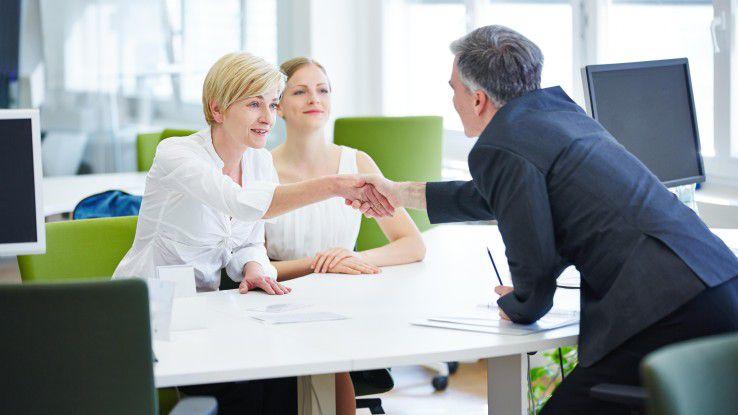 """""""Welche Aufgaben sind zentral, um diesen Job erfolgreich zu erledigen?"""" ist eine der Fragen, die man im Bewerbungsgespräch durchaus stellen sollte."""
