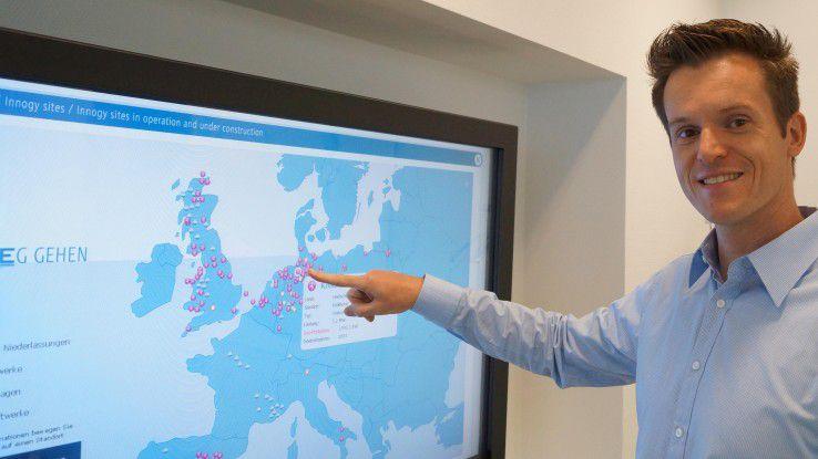 Mit einem Klick auf die Icons erhält Wirtschaftsinformatiker André Körner Kurzinformationen zum Standort der Energieanlage, zur installierten Leistung und das Datum der Inbetriebnahme. Sein Arbeitgeber RWE Innogy betreibt etwa 2000 Windkraftanlagen sowie Biomasse- und Wasserkraftwerke.