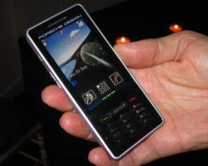 Porsche Design P9522: Edel-Handy mit Mineralglas-Touchscreen.