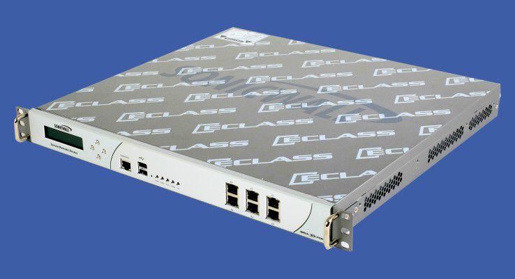 Pizzabox: Die Security-Remote-Appliance findet in jedem 19-Zoll-Rack Platz.