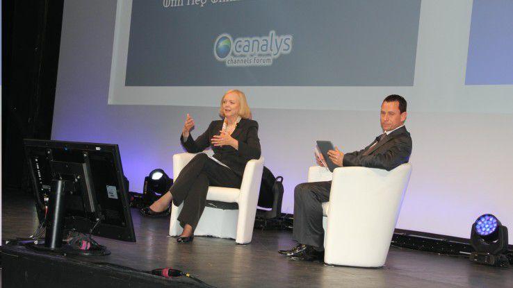 """""""3D-Drucker eher für die professionelle Seite"""": HP-CEO Meg Whitman im Gespräch mit Canalys Chef Steve Brazier auf dem Channel-Kongress Canalys in Cannes."""