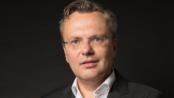 Michael Krusche ist Gründer und Geschäftsführer des Systemhauses Krusche & Company GmbH mit über 85 Mitarbeitern. Im Rahmen seiner langjährigen Management- und Beratungstätigkeit hat er ein Best Practice entwickelt, wie man tragfähige Geschäftsmodelle mit motivierten Mitarbeitern, effektiven Prozessen und innovativen Technologien umsetzt.