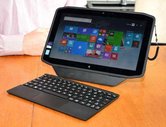 Knapp 4000 Euro sind für das Profi-Tablet Motion R12 fällig. Wir haben uns das Gerät näher angeschaut.