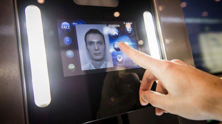 Der biometrische Weg: Verifizierung der Identität per Fingerabdruck.