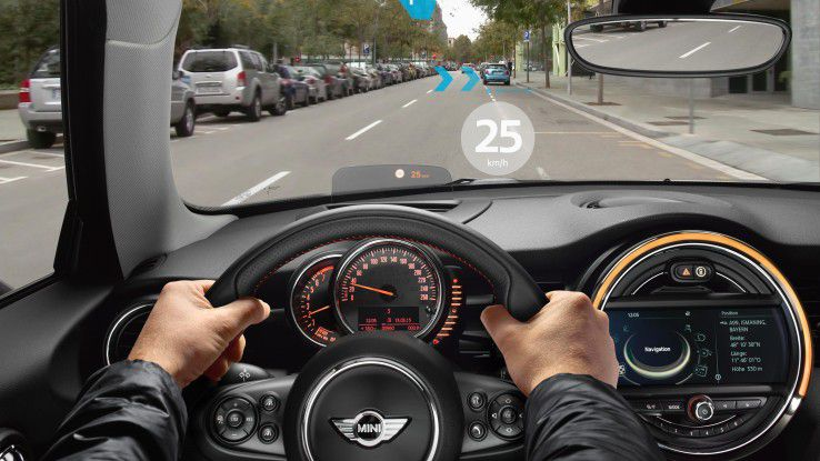 Die Augmented-Reality-Brille für Autofahrer soll diverse nützliche Informationen direkt in das Blickfeld des Fahrers projizieren.