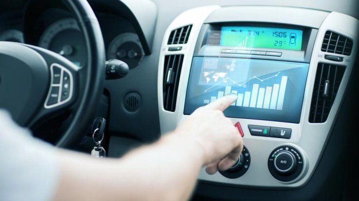 Das vernetzte Auto revolutioniert die Industrie.