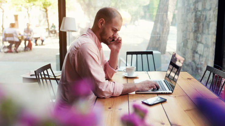 Freiberufler würden gern öfters von zuhause aus arbeiten, aber viele Kunden bestehen auf eine Anwesenheit vor Ort.