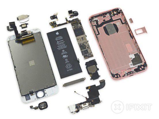Der Apple A9 in iPhone 6S und iPhone 6S Plus wird entweder von Samsung im 14-Nanometer-FinFET-Verfahren oder von TSMC im 16-Nanometer-FinFET-Prozess gefertigt.