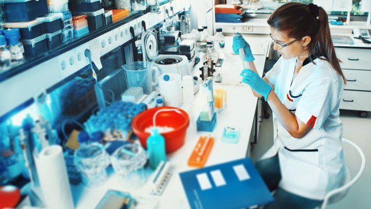 IT-Berater, die in einem Unternehmen der Chemie-, Pharma- oder Medizintechnikbranche arbeiten, erhalten zwischen 93.000 und 95.000 Euro (Vorjahr 90.100 und 92.400 Euro) im Jahr