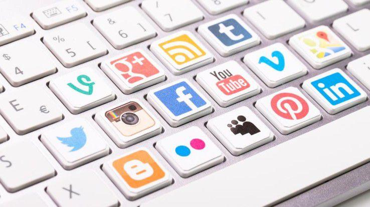 Viele Stars nutzen soziale Medien. Der Grat zwischen Selbstinszenierung und Nächstenliebe ist dabei schmal.