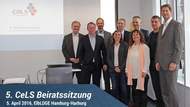 Der CeLS-Beirat tagte in Hamburg: (v.l.n.r.) Jürgen Renfer (KUVB), Christian Flöter, Airbus, Jörg Öynhausen (Bechtle), Horst Tisson (Tisson & Company), Günter Hilger, Geco, Ralph Freude (TÜV Rheinland), vorne: Mirja Wagner (IDG), Daniela Chikato (Chikato GmbH)