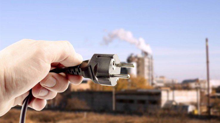 Industrie 4.0 in Deutschland: Benötigt wird ein Standard-Stecker, mit dem unterschiedliche Maschinen einheitlich an das Internet angeschlossen werden können.