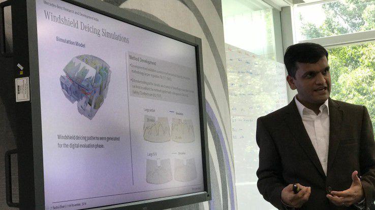 Parthiv Shah erklärt die Vorteile der von seiner Abteilung entwickelten Enteisung-Simulation für Mercedes.