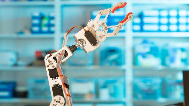 Auch in der Zukunft wird es Berufe geben, die nicht von einem Roboter, sondern von Menschen erledigt werden.