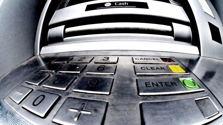 Horror am Bankautomaten? So schützen Sie sich vor Manipulationen und Betrug.