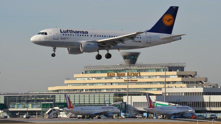 Vom Flughafen Bonn/ Köln aus startet IT-Berater Walter Heibey jeden Montag zu seinen Kunden in ganz Europa.