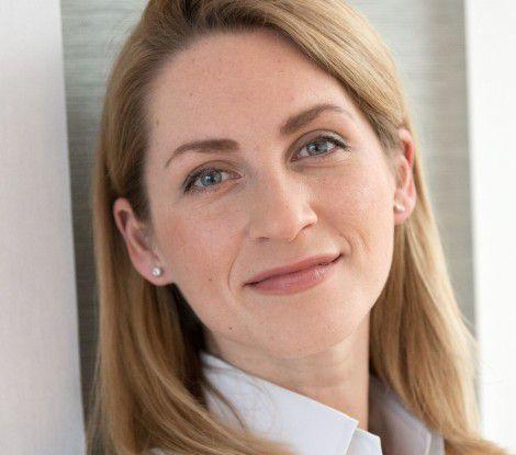 Polina Petersson arbeitet als IT Senior Manager für die Unternehmensberatung Accenture. Die Beraterin ist in den Bereichen Infrastruktur und Cloud-Services unterwegs.