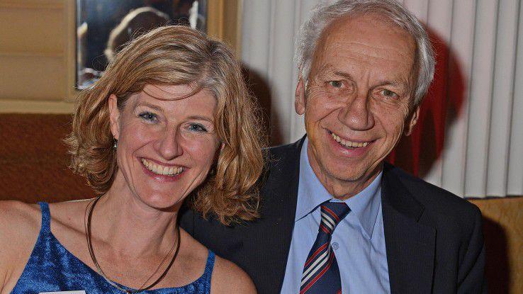 """Arnold Picot mit CW-Redakteurin Karen Funk bei der Gala zum """"CIO des Jahres 2014"""" im Bayerischen Hof in München."""