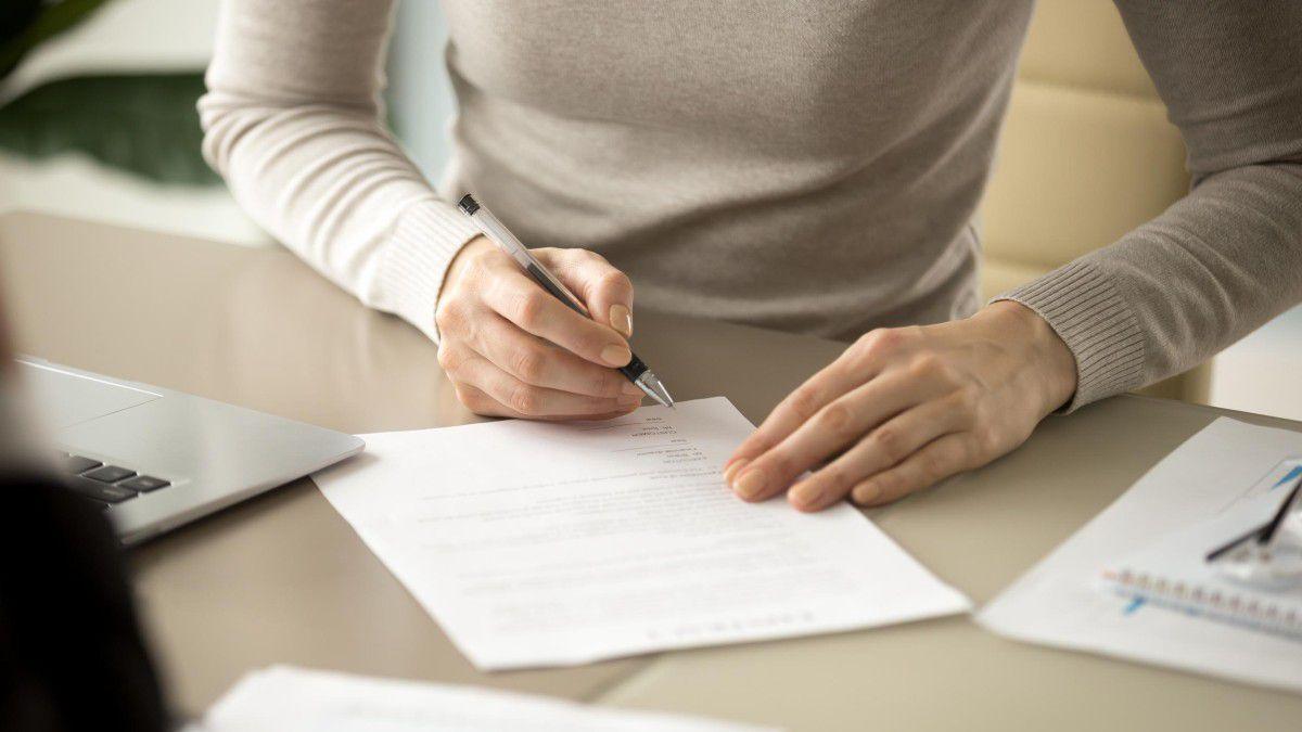 Zwischenzeugnis Anspruch Formulierung Abschlussformel Was Sie