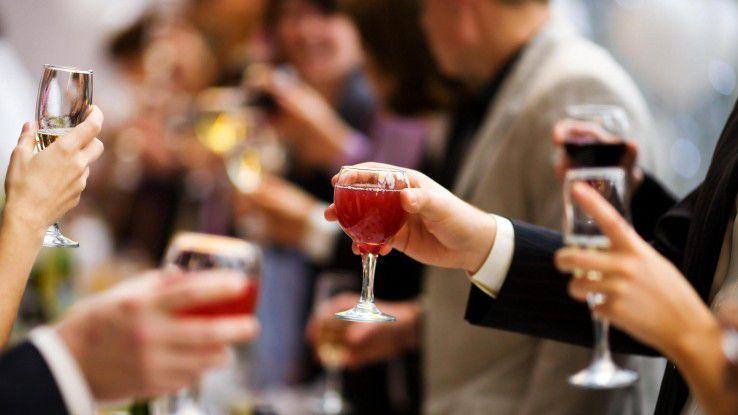 Alkohol Weihnachtsfeier.Feiern Ohne Zu Fallen Karriereknick Nach Der Weihnachtsfeier