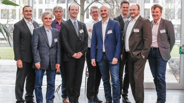 Über den richtigen Weg in die Cloud diskutierten (v.li.n.re.): Wolfgang Kröner (all4cloud), Michael Schweizer (freier Autor), Jürgen Hamm (NetApp), Konstantin Agouros (matrix technology), Oliver Villwock (cbs), Mark Borgmann (Oracle), Heiko Mauersberg (SAP), Carl Winter (SNP) und Martin Bayer (COMPUTERWOCHE)