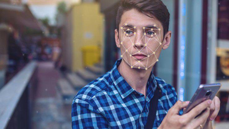 Das aktuellste Beispiel für KI in Smartphones: Die Face ID im iPhone X, welche das Gerät mit Gesichtserkennung entsperrt: