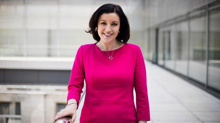 """Dorothee Bär, Staatsministerin für Digitales, unterstützt den """"CIO des Jahres"""" als Schirmherrin."""