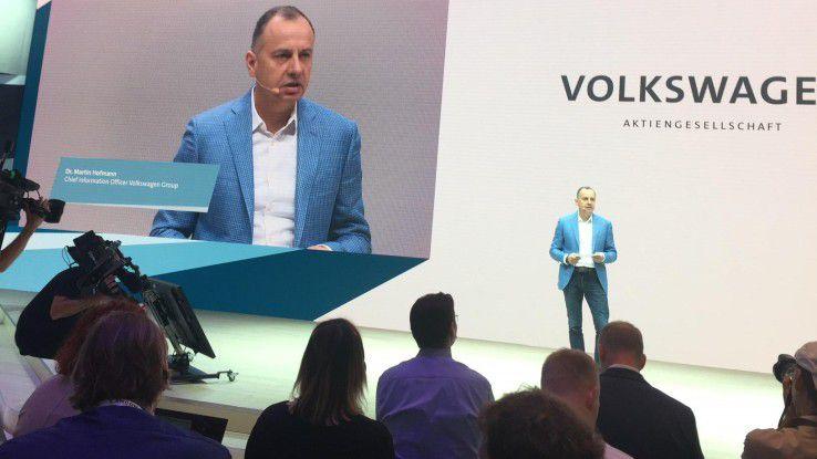 Für Martin Hoffmann, CIO von Volkswagen, geht es darum, Tempo mit der Digitalisierung des Autobauers aufzunehmen.