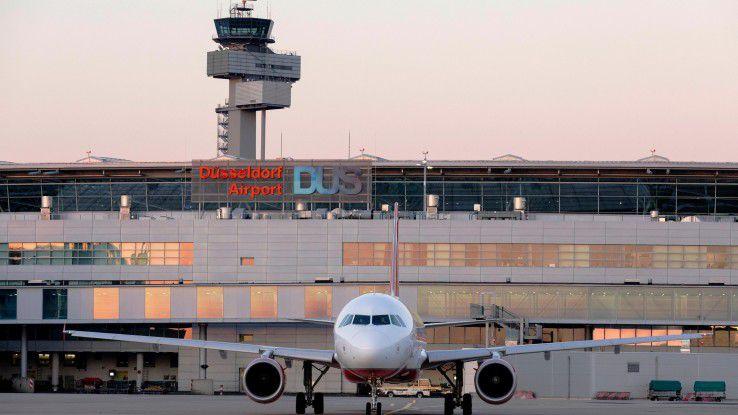 120 Tankwagen stellen täglich die Treibstoffversorgung der Flieger am Düsseldorfer Flughafen sicher.