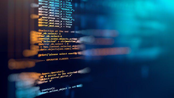 Die Entwicklung der Programmiersprachen verlief in den vergangenen Jahrzehnten hochdynamisch. Viele Anwendungen, die auf inzwischen veralteten Sprachen basieren, sind heute noch in Betrieb - ein Problem für Unternehmen.