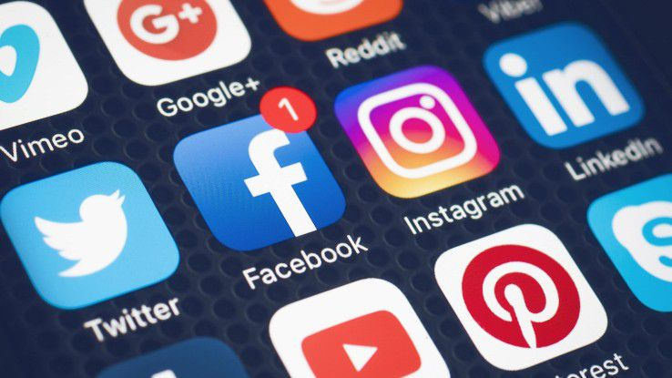 Auch in der B2B-Kommunikation spielen Social-Media-Kanäle eine wachsende Rolle. Facebook steht zwar nach wie vor hoch im Kurs, doch die Nutzung in Deutschland ist im Vergleich zum Vorjahr um fünf Prozent zurückgegangen.