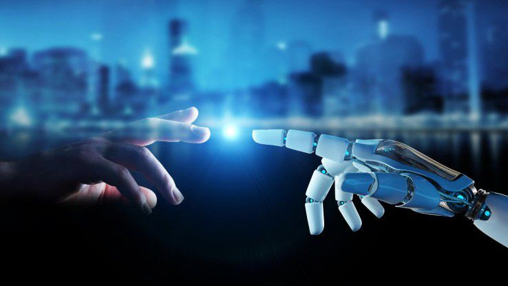 Bei KI überträgt der Mensch einzelne Fähigkeiten auf die Maschine.