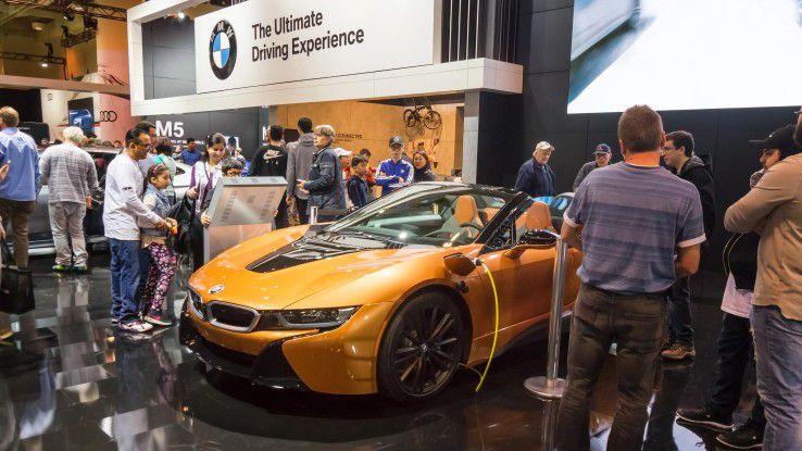 In den Top Five der beliebtesten Arbeitgeber bleibt die Autoindustrie mit Herstellern wie BMW, Audi, Porsche und Daimler sowie Bosch als einem der größten Zulieferer unter sich.
