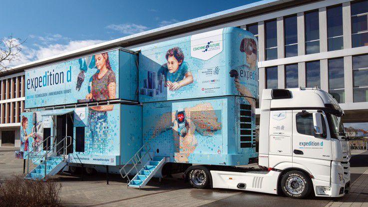 """40 Tonnen Digitalisierungswissen: Der Erlebnis-Lern-Truck """"expedition d""""."""